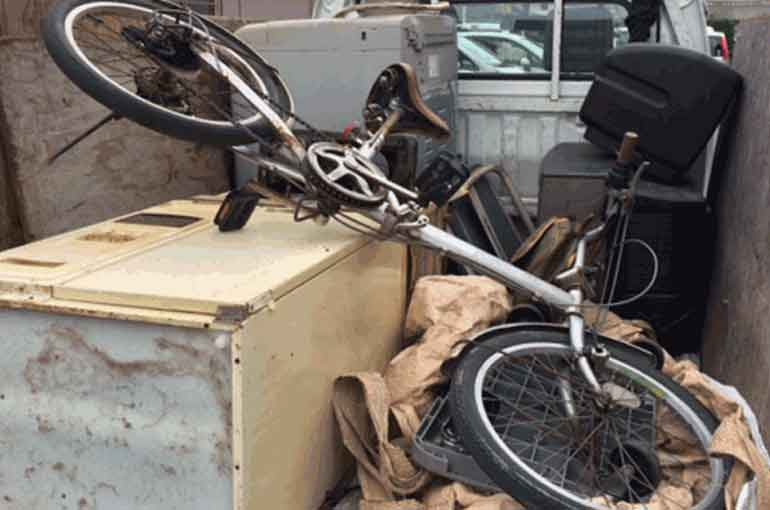 動かなくなった自転車