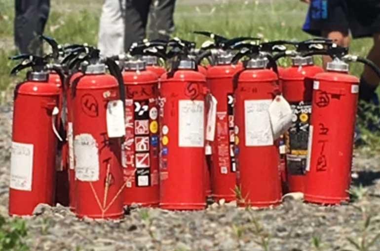 使用期限切れの消火器