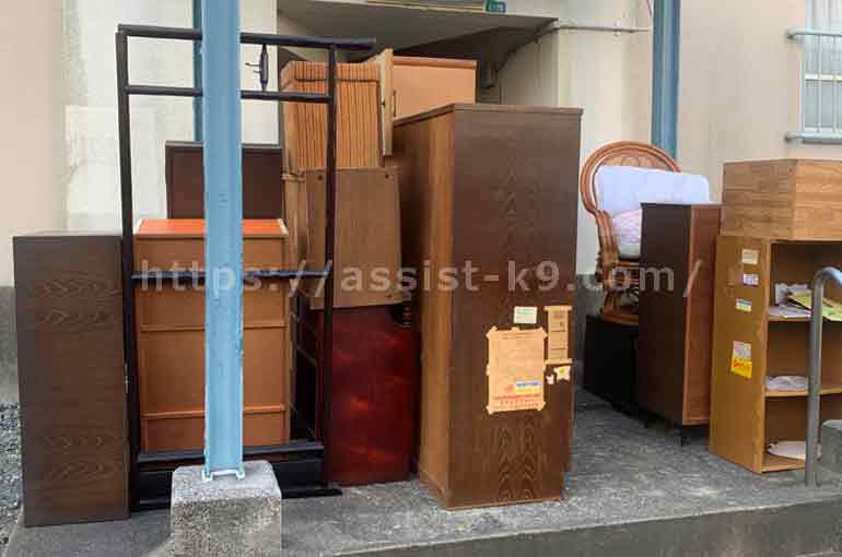 北九州市の市営団地で鏡台(ドレッサー)や三段ボックスなどの不用品を回収