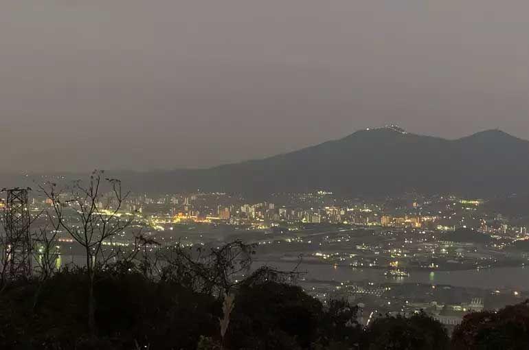 若松区石嶺山からの夜景